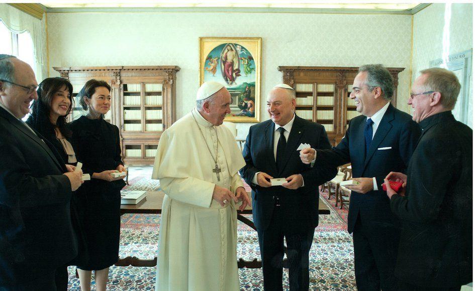 Встреча президента Европейского еврейского конгресса Вячеслава Моше Кантора с Папой Римским Франциском. Ватикан